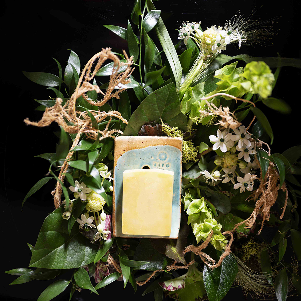 LUXURY & NATURAL SOAP +- 90 g